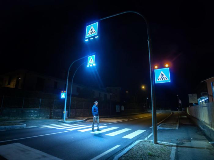 Attraversamento pedonale luminoso LAMA DI LUCE Extraurbano