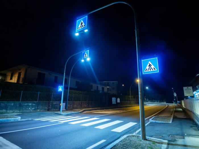 Attraversamento pedonale luminoso LAMA DI LUCE Extraurbano in stand-by